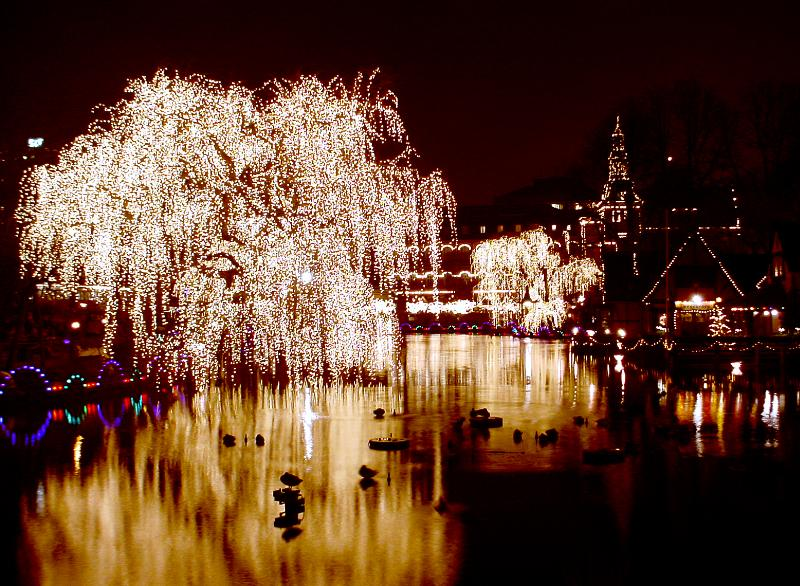 Tivoli_Copenhagen_night