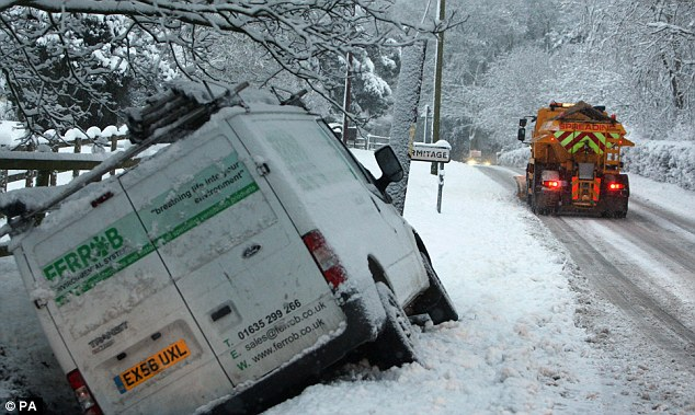 a2c1f32690 Winter Weather Conditions Cause Havoc For Removals Vans - Robinsons ...